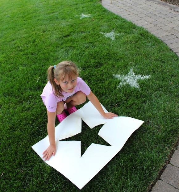 sterren op het gras maken buitenspelletjes kinderen