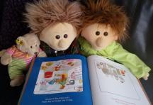 Engelse boekjes lezen samen met Tom