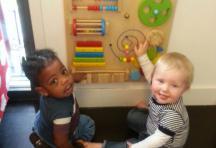 Ontwikkelingsbord, populair bij de baby's
